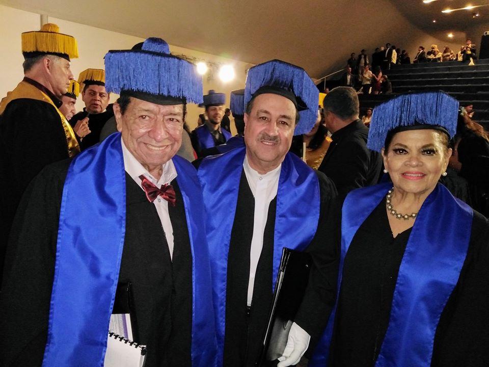La comunicadora Deyanira Vivas obtiene Doctorado Honoris Causa en México
