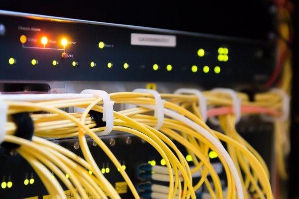 BANCA Y TELECOMUNICACIONES RECIBEN SOPORTE TÉCNICO LAS 24 HORAS DURANTE CUARENTENA