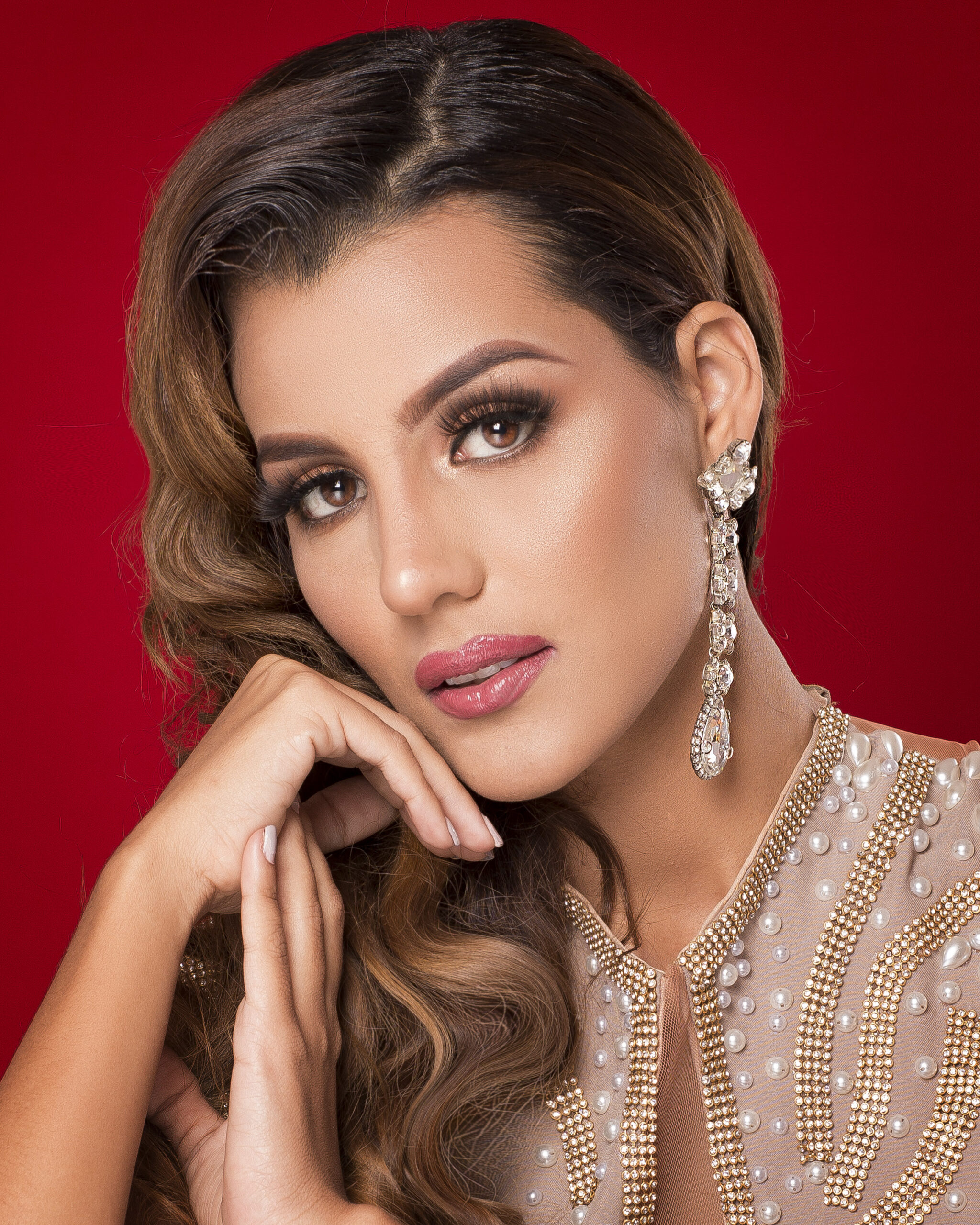 ROMINA COLÓN DICE PRESENTE EN LA GALA VIRTUAL DEL MISS EMERALD PAGEANT INTERNACIONAL 2020