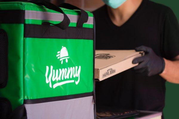Papa John´s reactiva el delivery de sus pizzas a través de Yummy