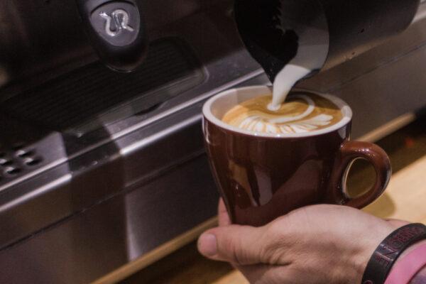 Para celebrar el Día internacional del café «La Hora del café con Carbone Espresso»