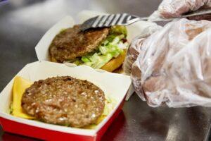 McDonald's celebra el Día Internacional de la Transparencia reafirmando su compromiso de mostrar siempre sus cocinas
