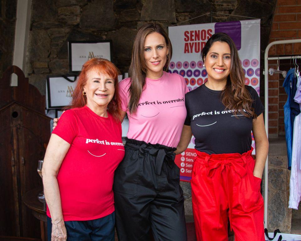 La firma Ana Ascanio Couture se tiñe de rosa con su colección SIMPLICIDAD a beneficio de SenosAyuda