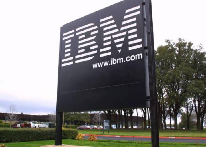 IBM acelerará la estrategia de crecimiento de la nube híbrida y ejecutará la escisión de la unidad de servicios de infraestructura gestionada líder del mercado