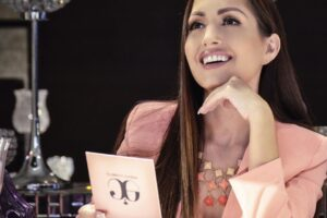 """Erika Guerrero conmemora el mes rosa con """"Lady Rose"""""""