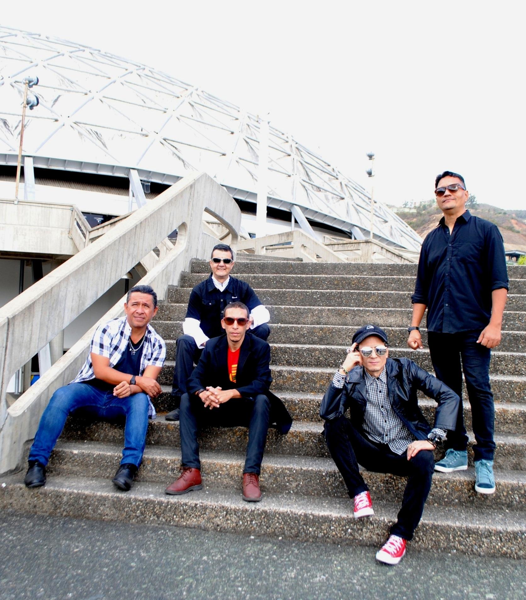 Sábado 21 de Noviembre, 4:00pm (Hora Vzla.)  Luna Blues Band descarga su Rock & Roll vía Instagram TV
