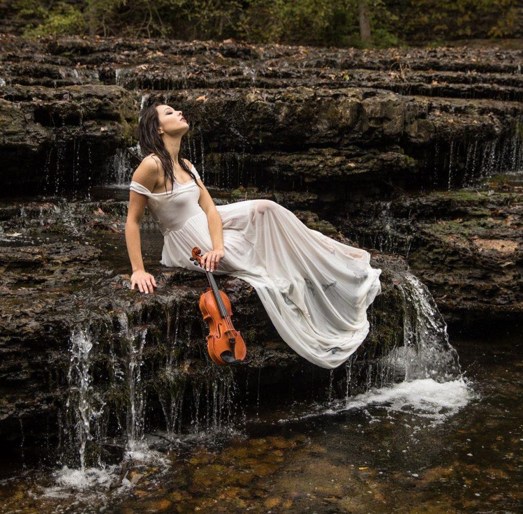 La violinista y compositora Lauren Conklin cierra un 2020 lleno de logros