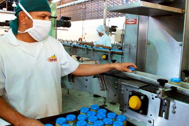 Natulac aplica estrictas pruebas de calidad a toda su línea de productos