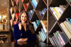 La diseñadora venezolana Karla Venturelli consolida su arte en Miami