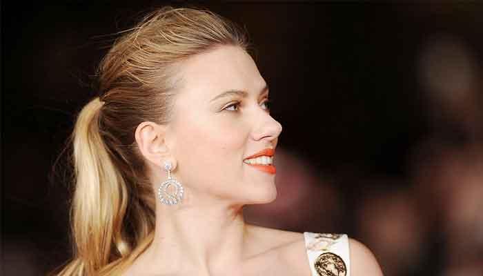 Scarlett Johansson deslumbra en el nuevo póster de 'Black Widow'