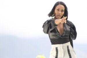 Alicia Banquez es la artista número uno de la cartelera radial