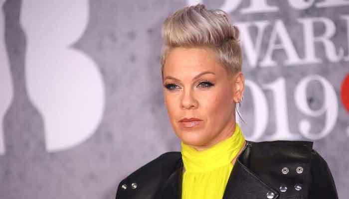 Pink eufórica por recibir el premio Icon Award en los Billboard Music Awards 2021