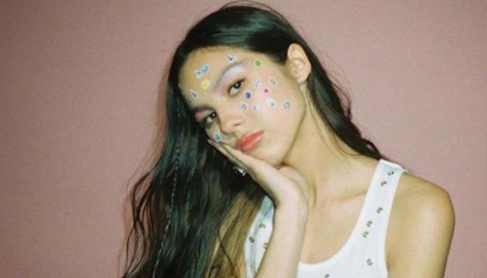 El álbum debut de Olivia Rodrigo alcanza el número 1 en la lista de álbumes Billboard 200
