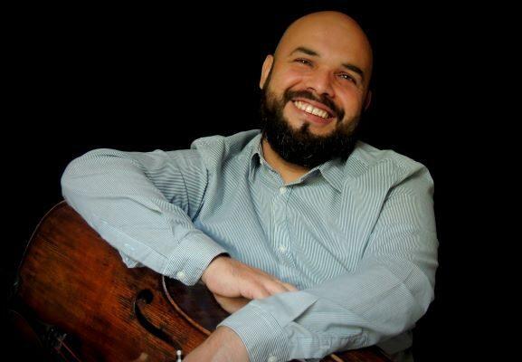 El violonchelista Juan Trujillo presenta su libro digital