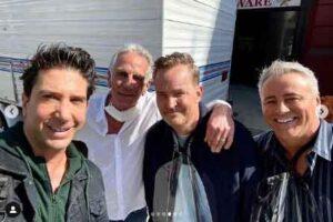 David Schwimmer comparte nuevas imágenes de los sets de la reunión de 'Friends'