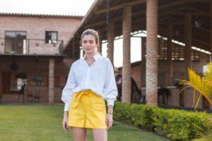 Una pieza Ana Ascanio Couture que no puede faltar en tu closet  BLUSA CON CUELLO Y PUÑOS BORDADOS