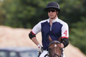 El príncipe William regresa al polo después de dos años