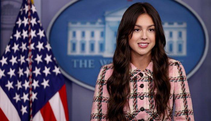 La estrella del pop Olivia Rodrigo impulsa la campaña de vacunación juvenil de Biden