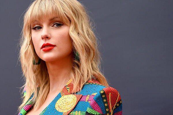 Taylor Swift lanza una nueva pista de Visualizer titulada «The Lakes»