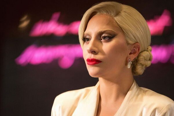 Lady Gaga sorprende a los fans con su look en el tráiler de 'House of Gucci'