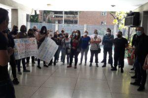 Padres y Representantes del Colegio Santo Domingo de Guzmán exigen la renuncia del Consejo Directivo y reenganche de docentes