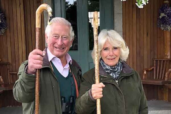 El príncipe Carlos y la duquesa Camilla revelan que la miel se cosecha en Clarence House