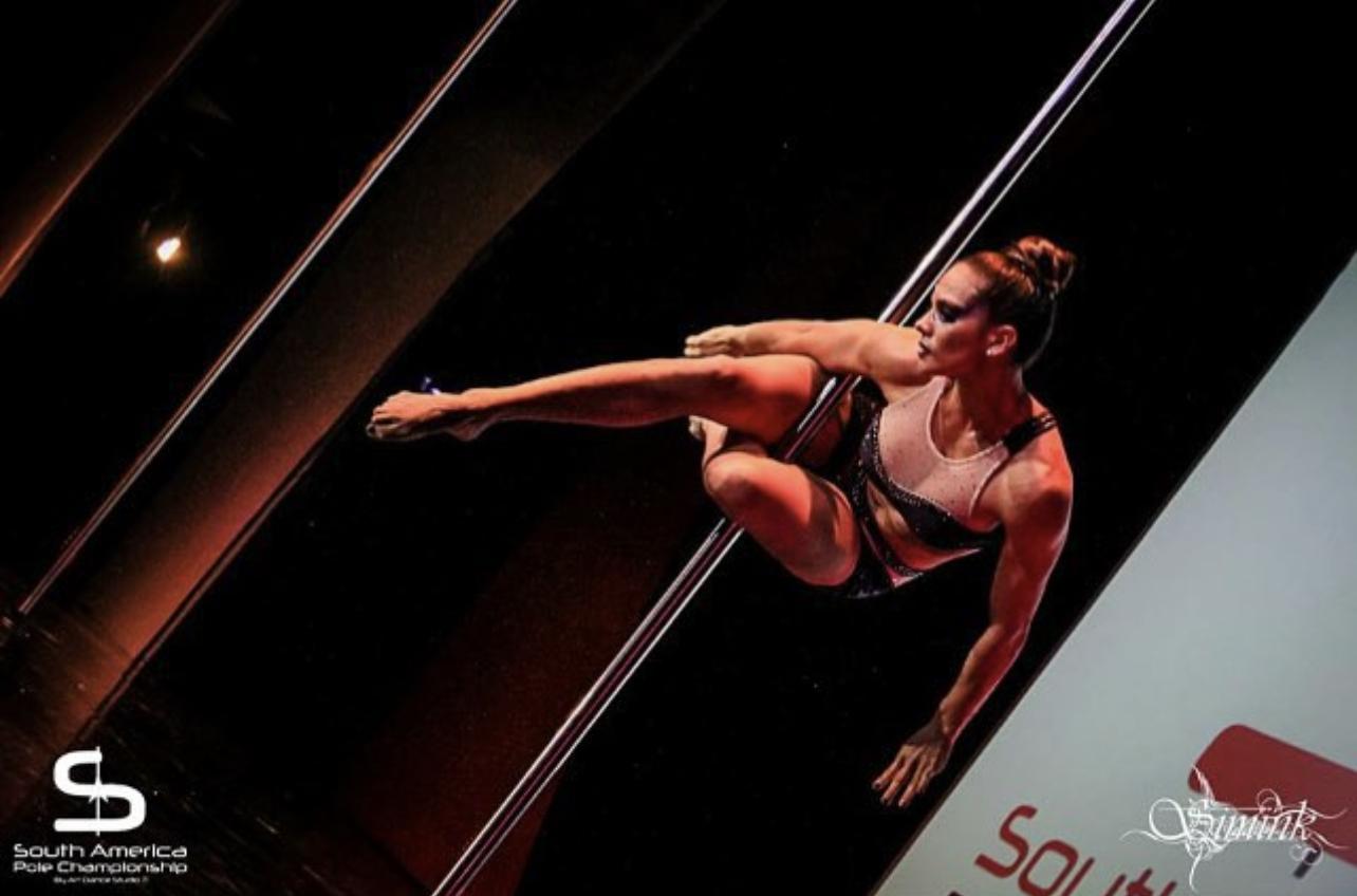 """Jennifer Hernández prepara grandes atletas en su estudio """"Aseret Pole Art"""""""