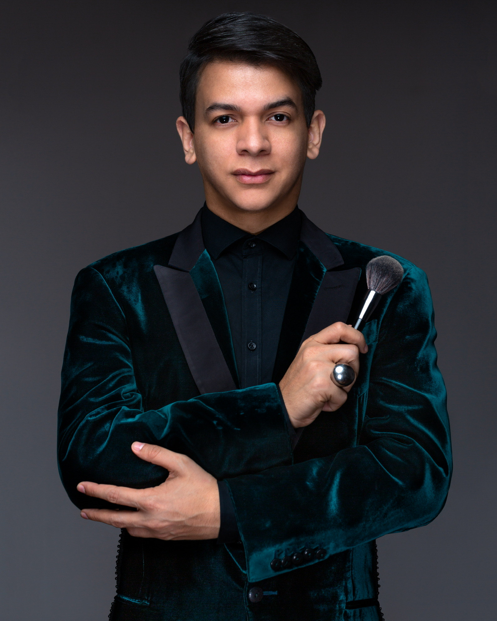En el marco del Makeup tour 2021, OSKAROSVKY BOYER LLEGA AL TEATRO MUNICIPAL DE CARACAS