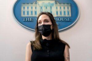 Angelina Jolie recibe elogios de los legisladores después de la visita a la Casa Blanca para VAWA