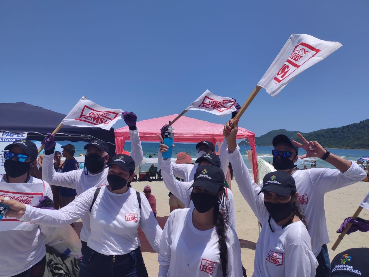 Coca-Cola FEMSA celebra día mundial de playas a lo largo de las costas venezolanas con recolección masiva de residuos e instalación de punto ecológico