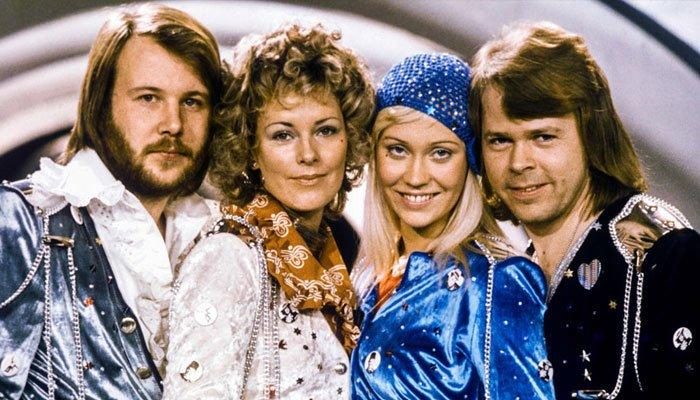 ABBA se ha asegurado su lugar en las listas Top 10 del Reino Unido,después de 40 años