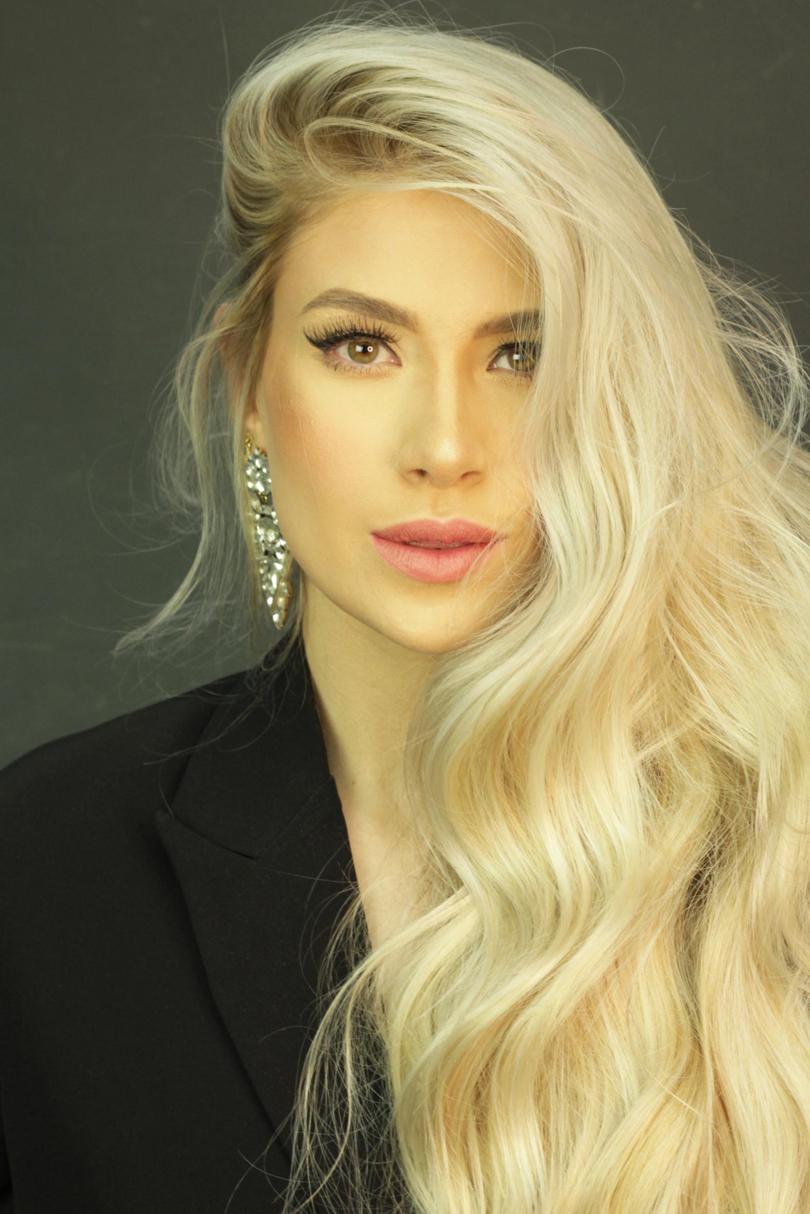 Liarys Hernández crece en el mundo de la belleza y la moda
