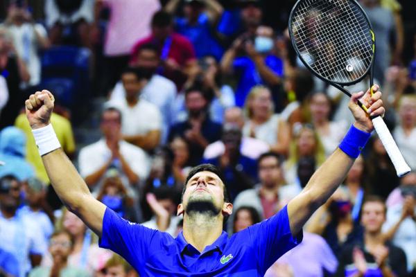 Djokovic examinado,pero gana en el US Open para avanzar en la búsqueda de Slam