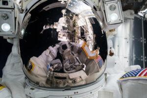 Astronautas de la NASA obtienen una estadía prolongada en el espacio y establece un récord en EE. UU.